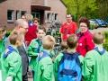 Ger Koopmans in gesprek met jeugdleden Scouting Wellerlooi