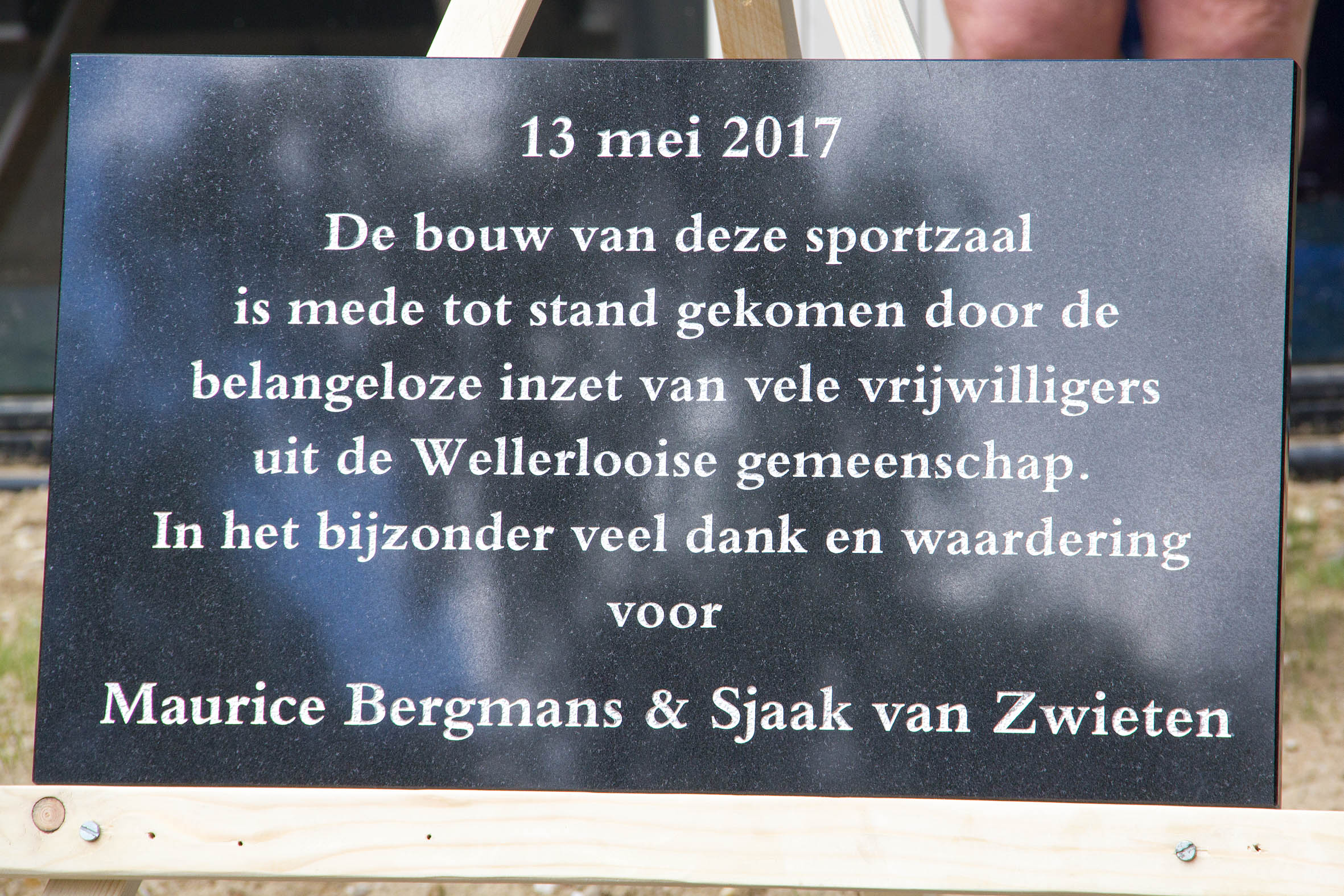 De plaquette aangeboden door de WP als dank voor de inzet van alle vrijwilligers