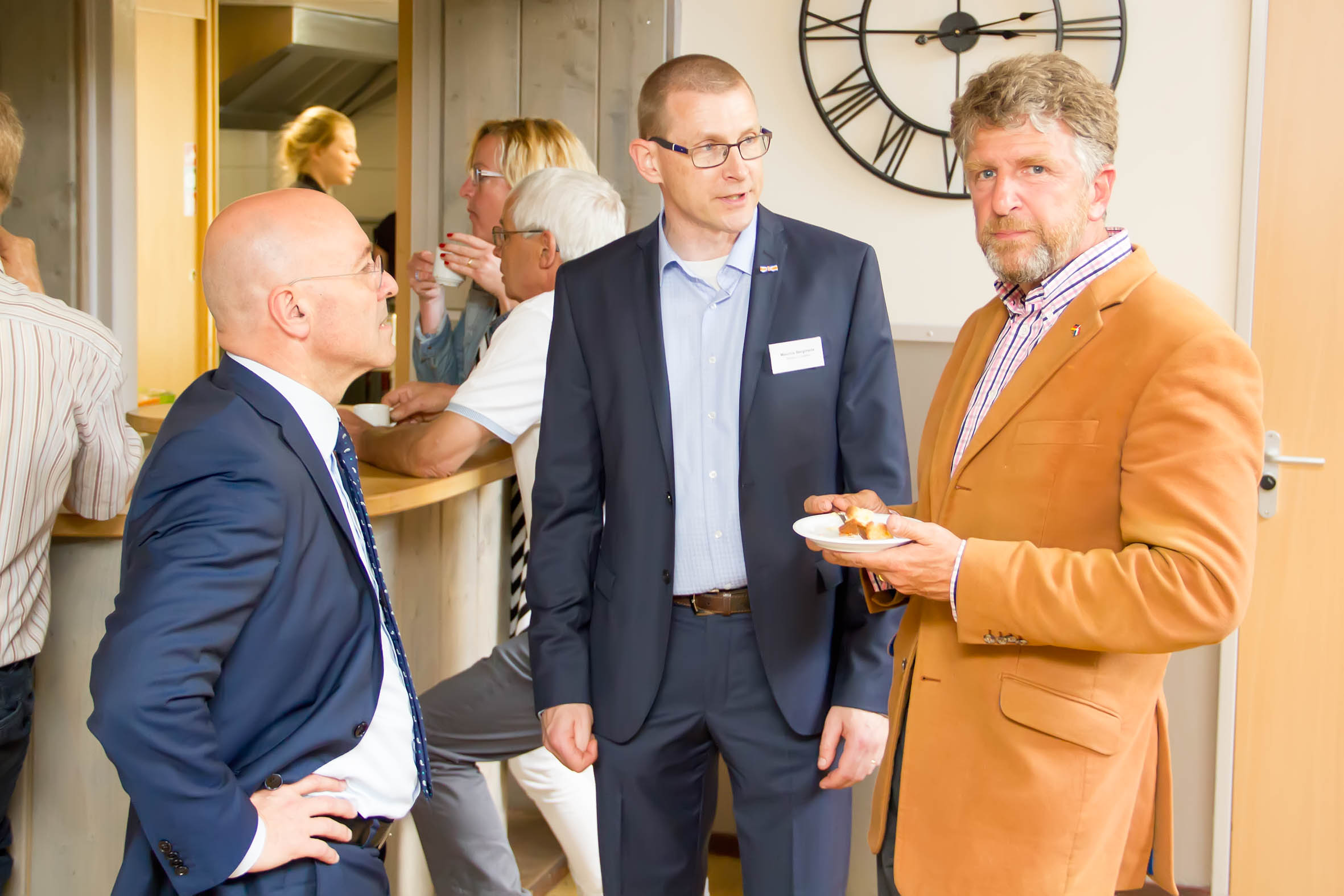 Kees van Rooij (Burgemeester Horst), Maurice Bergmans en Wethouder Anton Splinter